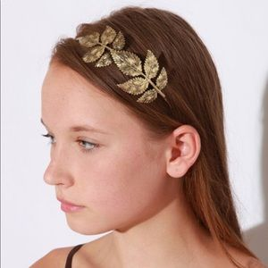 Urban Outfitters Loose Leaf Headband